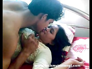 Indian Sex Indian-Sex Couple Foreplay Kissing